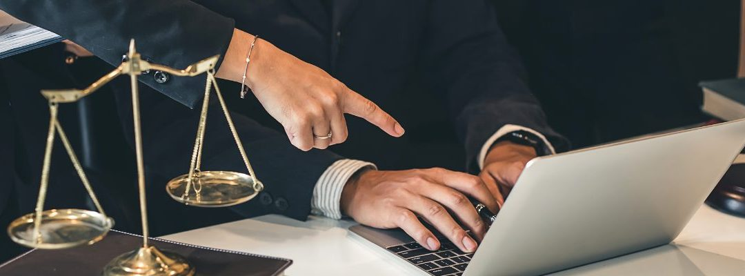 Why 70% of In-House Counsel Lack the Tech Needed to Work Effectively – A Report by EY and Harvard Law